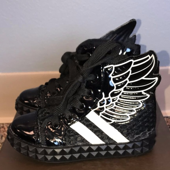 4bc677429abc Jeremy Scott x Adidas Other - Adidas x Jeremy Scott for kids