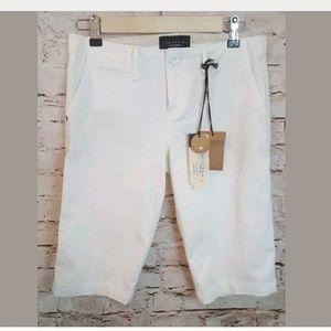 NWT Sanctuary white straight leg shorts 26 waist