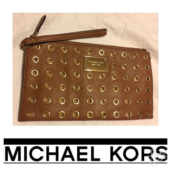 10402fdb8b7e24 M_59b2fdb8eaf030e0d304104d. Other Bags you may like. Authentic Michael Kors  Large Wristlet. Authentic Michael Kors Large Wristlet