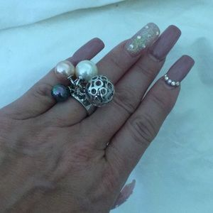 Jewelry - Silver and fresh water pearl ring.