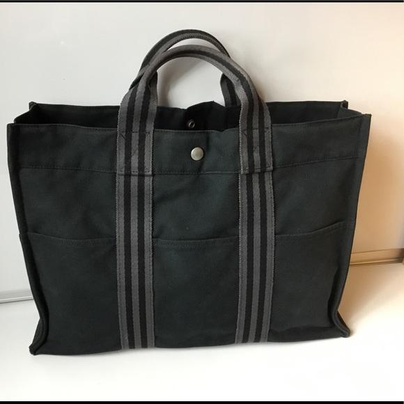 Hermes Handbags - 100%Aut Hermes Black and Gray Toile Fourre Tout MM bfec1bcbebc95