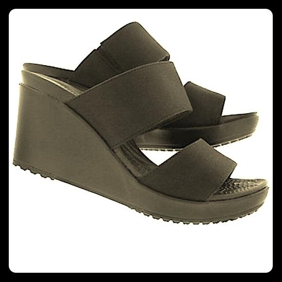 89877171c6c0 ⭐️NWT Crocs size 6⭐️Leigh II-2 Strap Wedge Sandal