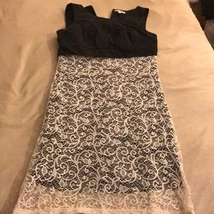 BLACK AND WHITE DRESS!