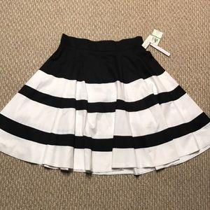 NWT Amanda & Chelsea skirt