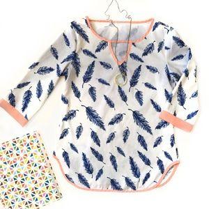 Tops - Feather Print 3/4 Sleeve Shirt