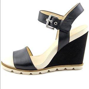 Nine West wedge sandals size 8