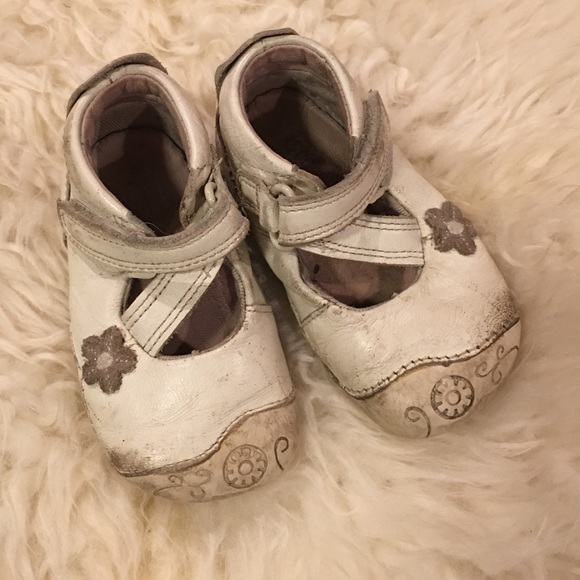 Clarks White Leather Baby Girl Shoes 35