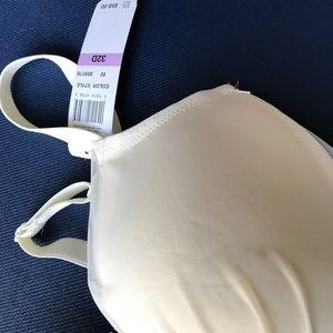 f2b57cda9b Wacoal Intimates   Sleepwear - Wacoal Center Stage 859176 UW Bra Camisole  NWT
