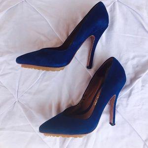 🐑 LAMB blue suede heels 🐑