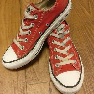 3f7c0caa55eef6 ... Classic Red Low Top Converse Vans ...