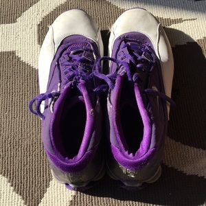 Nike Shox women's basketball shoes size 8