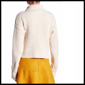 Lucy Paris Sweaters - ❤️1-HOUR SALE❤️PULLOVER CHUNKY TURTLENECK SWEATER
