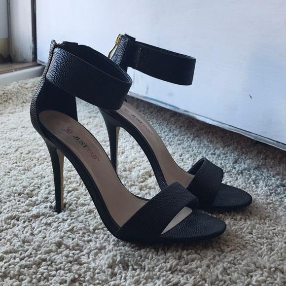 72d9f3d3d07a JustFab Shoes - JustFab Classic Black Heel