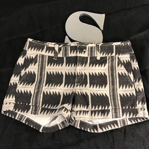 American Eagle Midi Stretch cuffed tribal print