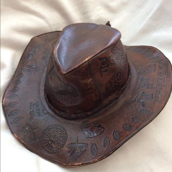 Peruvian Embossed leather safari hat Nasca lines. M 59b411c1981829efcd0704d1 462787fe3d1