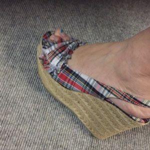 Women's open toe shoe