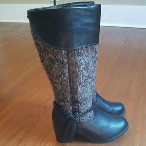 Unr8ted gray/black sweater boots