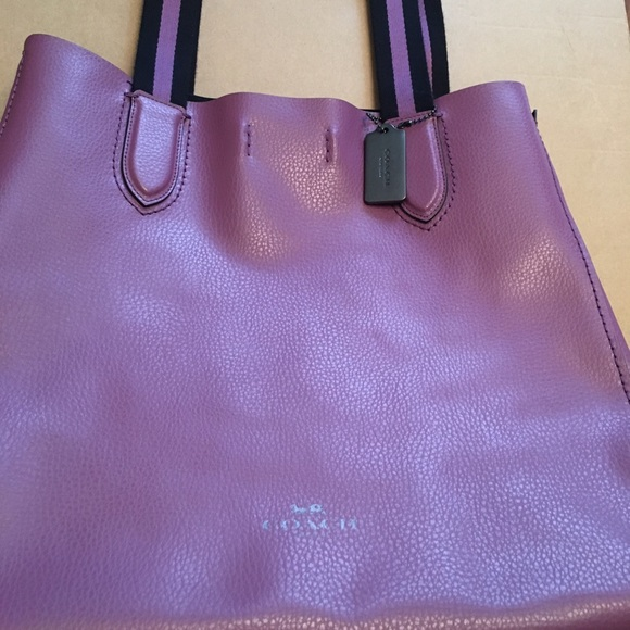 d4022ebff10 Coach Bags | Large Derby Tote In Pebble Leather | Poshmark