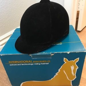 international riding helmot
