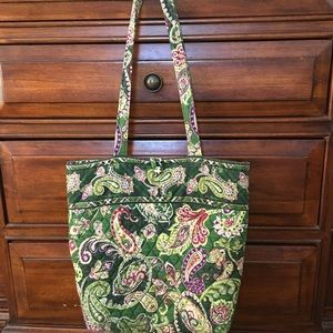 Vera Bradley Bucket Tote. Beautiful pattern!