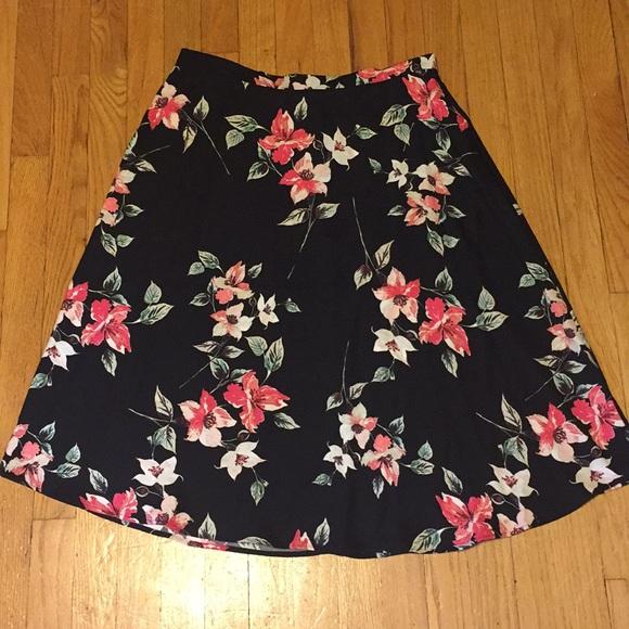 Van Heusen Dresses & Skirts - Navy Floral Skirt