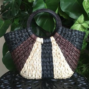 Handbags - Oversized black brown tan woven basket bag