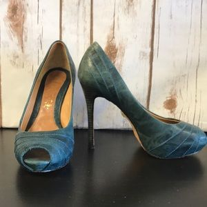 L.A.M.B Teal Leather Heels Size 6M 💕
