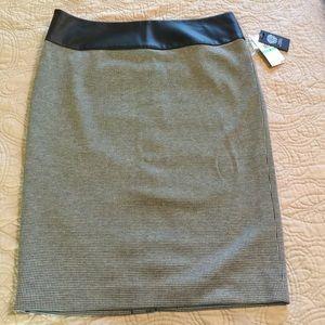 Pencil black/white sawtooth skirt