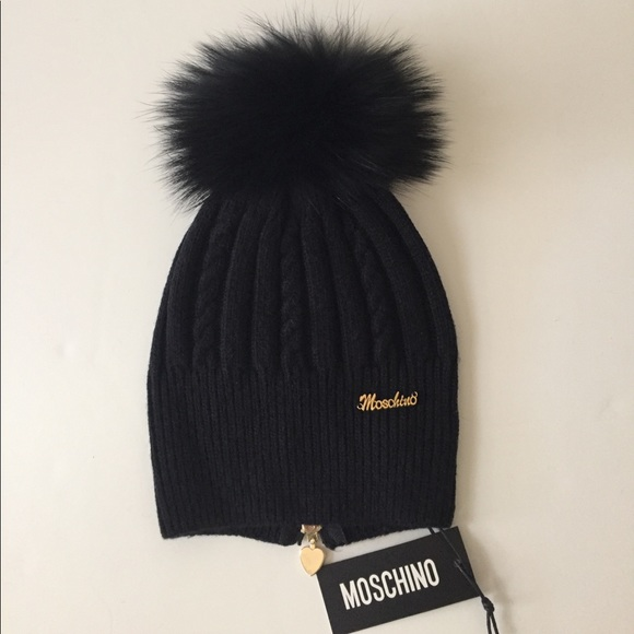 Moschino Wool Beanie Hat with Raccoon fur Pom New ee7bdc5f6f8
