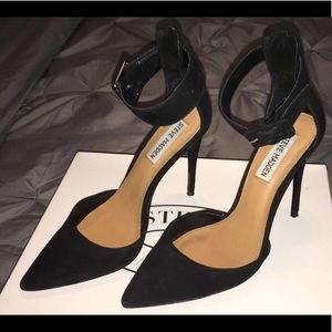 734b3e4df22 Steve Madden Shoes - Steve Madden Desire Black Suede Pumps