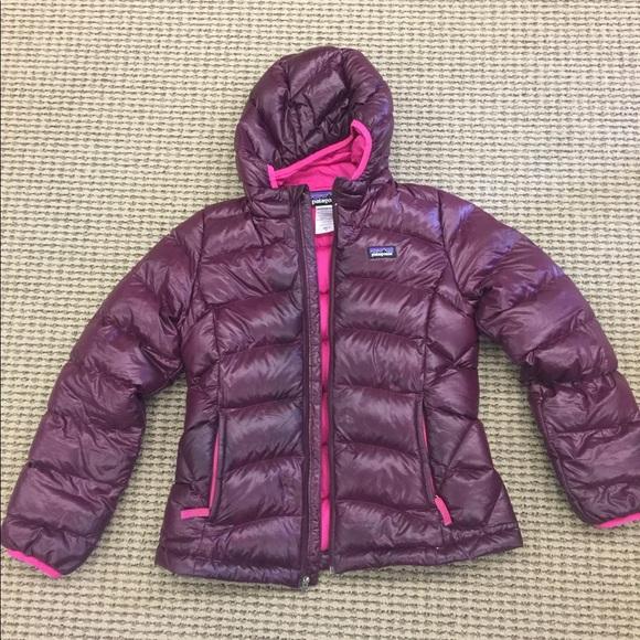 e50e53af08d5 Patagonia girls hi-loft down sweater hoodie plum M.  M 59b443c97f0a0558d300e059