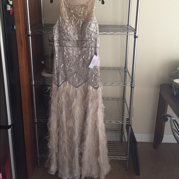 836d2be602574 Sue Wong Dresses | Size 14 Feather Gatsby Gown Nwt | Poshmark