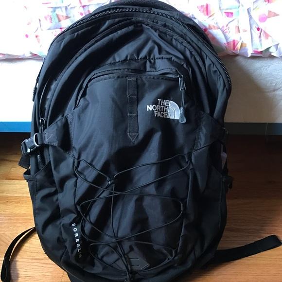 Black Borealis Men's Northface backpack