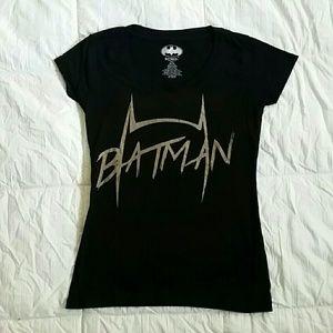Tops - Batman v neck tshirt