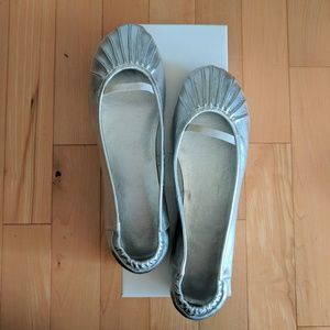 NWB Urban Outfitters Ruched Silver Ballet Flats