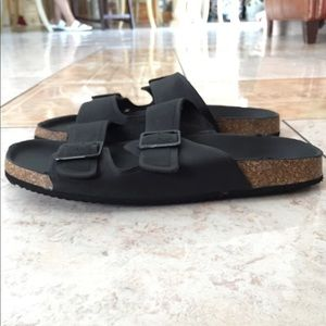 Divided sandals