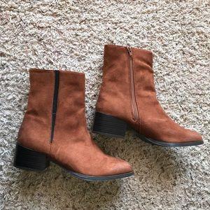 Shoes - Lola Shoetique Chelsea Boot