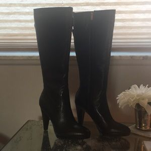 NWT Banana Republic boots with inner zipper size 7