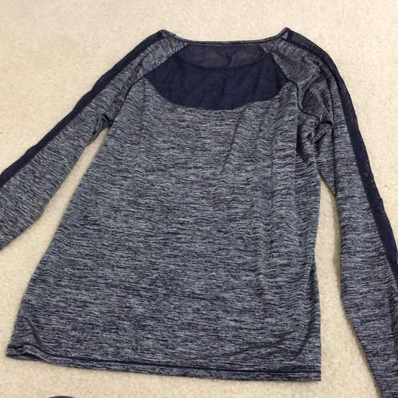 Athleta Tops - Athleta long sleeved tee