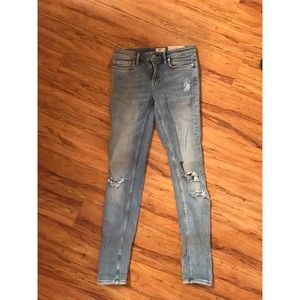 All saints distressed skinny jeans. Size 26.