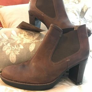 Super Comfy Rockport Brown Leather Booties