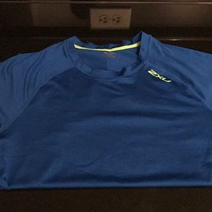 2xu performance shirt