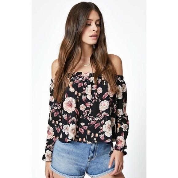 29d7b454d5cc07 LA Hearts black floral off-shoulder top NWT