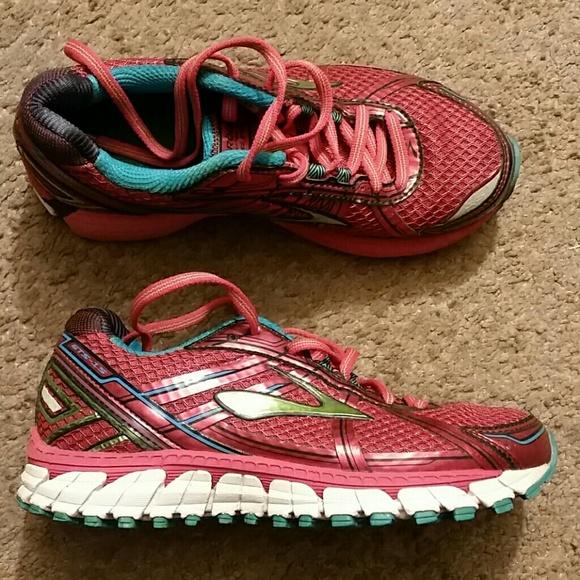 Womens Brooks Dna Gtss Running Sneakers