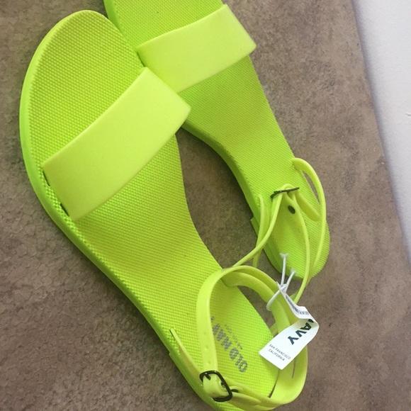 1c30afebec557d Old Navy lime green sandals