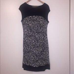 Dresses & Skirts - Patterned black and white professional dress.