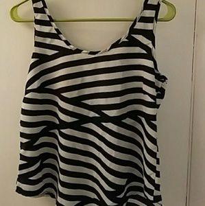 Tops - Cute Striped black & white Top
