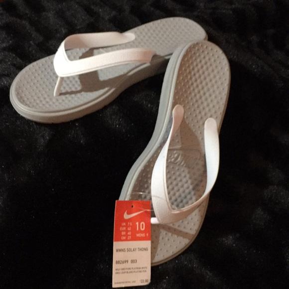 97d324d3f7a3 Nike Solay Thong Flip Flops