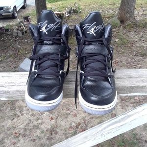 Nike Jordan 1 Flight Boy's Shoe's size 6 youth