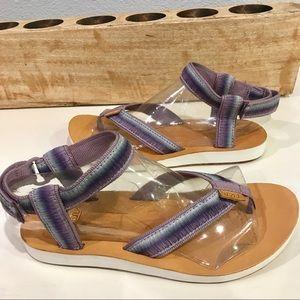37d1e68a9e2a Teva Shoes - Sale 💙 Teva Original Ombre Thong Elderberry